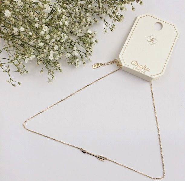 orelia arrow necklace